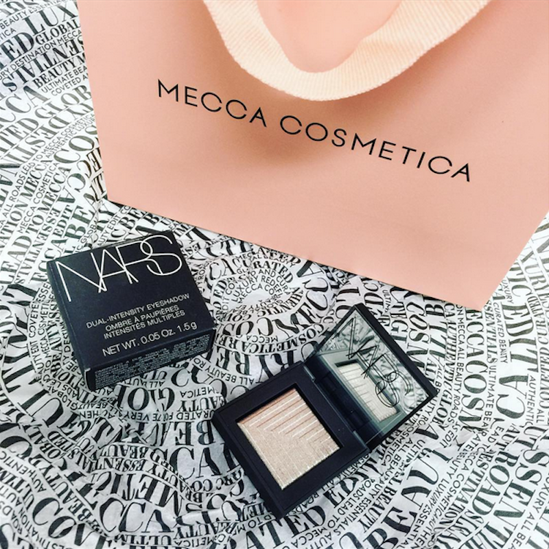 Just a quick one from me, but I just couldn't resist posting about the gorgeous new packaging from MECCA Cosmetica. Talk about Pretty in Peach!
