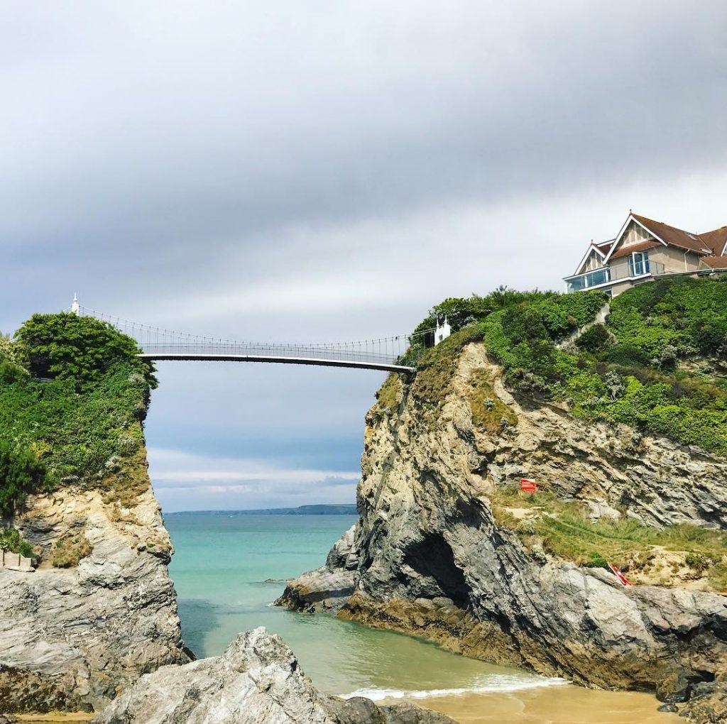 Such a pretty bridge!