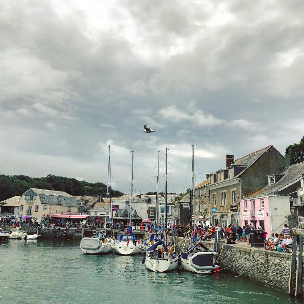 Harbour hangs